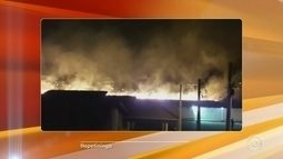 Ecoponto da Vila Prado pega fogo em Itapetininga