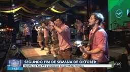 Oktoberfest chega ao segundo final de semana em Blumenau; turistas celebram