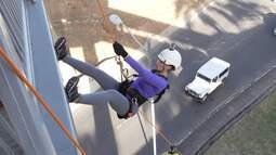 No último episódio de 'Salvador em Outro Foco', Briza experimenta um rapel urbano