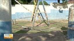 Praças e parquinhos de Corumbá oferecem riscos