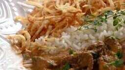 Aprenda a preparar batata palha caseira para incrementar a sua refeição