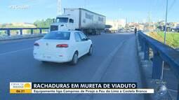 Desgaste na mureta do viaduto que liga Campinas de Pirajá a outros bairros gera queixas