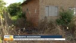 Policia faz pericia na casa da massagista que confessou assassinato de chargista
