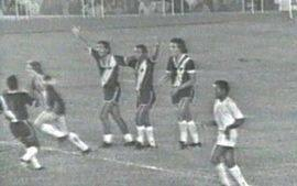 Em 1974, Vasco vence Cruzeiro por 2 a 1 e  conquista o Campeonato Brasileiro