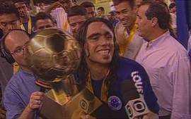 Em 2002, Cruzeiro conquista a Copa Sul-Minas na despedida de Sorín