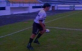 Em 2000, Marco Aurélio tenta repetir golaço marcado contra o Atlético-MG