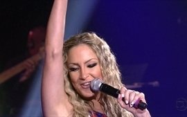 Claudia Leitte abre o quarto ao vivo do The Voice ao som de 'Largadinho'