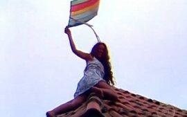 Gabriela - 1ª versão: Gabriela pega pipa no telhado