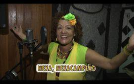 Conhea a candidata &#x27;zen&#x27; do concurso &#x27;Voz da Copa&#x27;