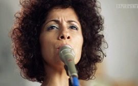 T04.EP06 - Confira a performance de Mrcia Castro tocando &#x27;Histria de Fogo&#x27;