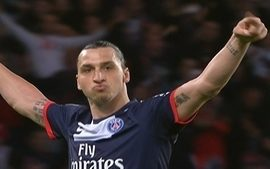 Gol do Paris Saint-Germain! De falta, Ibrahimovic faz mais um aos 34 do 1 tempo