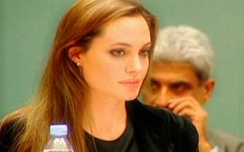 Deciso de Angelina Jolie chama a ateno do mundo para o cncer de mama