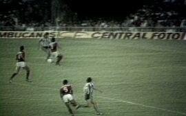 Em 1985, Botafogo vence o Flamengo por 2 a 1 pelo Campeonato Brasileiro