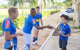 De Safadão a Bruno e Marrone: estrela do The Voice solta a voz com jogadores na Toca