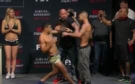 Renan Barad x Jeremy Stephens passam pela pesagem do UFC Almeida x Garbrandt