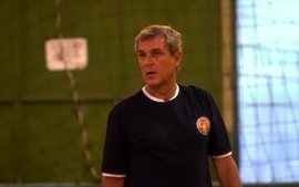 Sem apoio financeiro, Zé Roberto Guimarães vai treinar time da série C