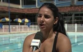 Nadadora paralímpica ganha legião de seguidores nas redes sociais