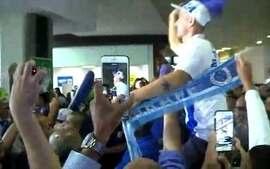 Thiago Neves chega a Belo Horizonte para reforçar o Cruzeiro