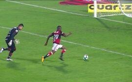 """No primeiro jogo de Rueda diante da torcida no Rio, Vinicius Jr é o """"menino""""da partida"""