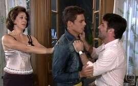 Cemil se irrita com Mateus por ele não estar na faculdade