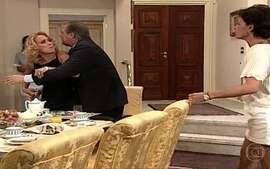 Branca briga com Milena e diz que ela é sua inimiga