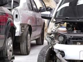 Cresce interesse de compra por carros batidos; entenda