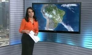 Chove na região das represas do Sistema Cantareira em São Paulo