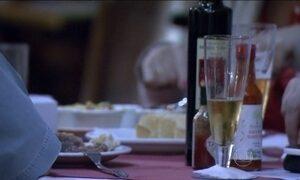 Projeto que criminaliza a venda de bebida alcoólica a menores é aprovado