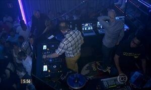 DJ's comandam ritmo das músicas e agito das festas