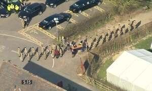 Inglaterra faz cerimônia para enterrar restos mortais do Rei Ricardo III
