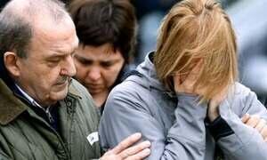 Pessoas vivem um dia de tristeza nos aeroportos de Barcelona e Düsseldorf