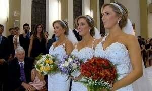 Trigêmeas inseparáveis realizam cerimônia de casamento em conjunto