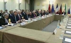 Irã e seis potências mundiais estendem prazo de acordo nuclear para quarta (1º)