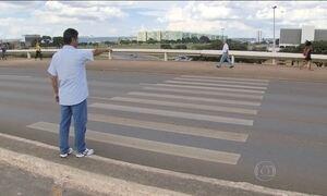 Brasilienses comemoram 18 anos da campanha para faixas de trânsito