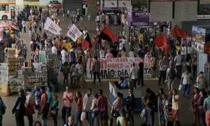 Dia do Trabalho é marcado por protestos no Brasil e em várias partes do mundo