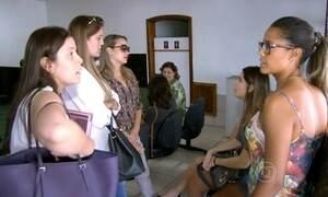 Noivas vão parar na delegacia após decorador viajar para o exterior