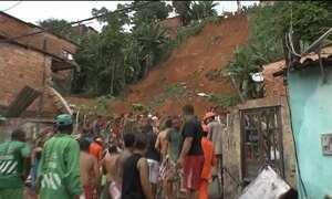 Deslizamento de terra mata três pessoas em Salvador