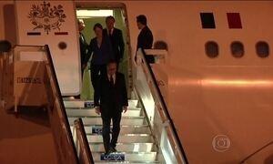 Presidente da França faz visita inédita a Cuba