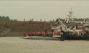 Diminuem as chances de haver sobreviventes em naufrágio na China