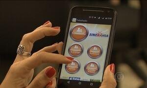 Trabalhadores usam aplicativos e redes sociais para descobrir vagas