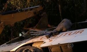 Acidente com ônibus em Paraty (RJ) deixa 15 mortos