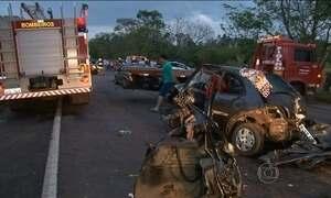 Seis pessoas morrem em acidente de trânsito em Umuarama (PR)
