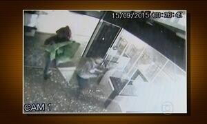 Criminosos levam joias falsas ao invadir loja em Campinas (SP)