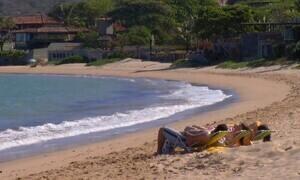 Praias do balneário de Búzios (RJ) atraem turistas do mundo todo