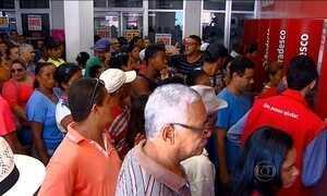 Após greve do INSS, paralisação dos bancários afeta aposentados