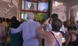 Igreja de Santa Edwiges, padroeira dos endividados, fica lotada no dia da santa