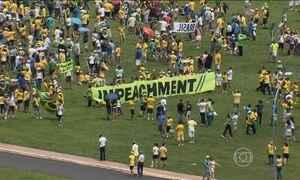 Manifestantes vão às ruas a favor do impeachment da presidente Dilma