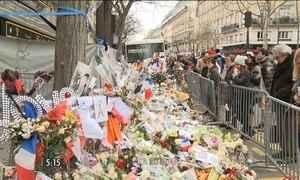 Paris ainda tenta se recuperar do medo de novos ataques terroristas