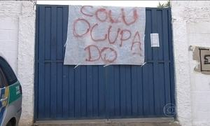 Estudantes ocupam escolas em protesto contra mudanças na gestão do ensino em Goiás