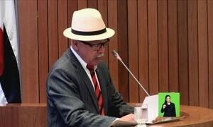 Fernando Furtado, do PCdoB/MA, recebe o Prêmio 'Racista do ano'